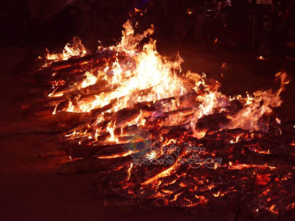 fire walking in kataragama esala festival
