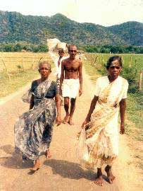 Pada Yatra pilgrims descend from Kataragama Peak, 1989