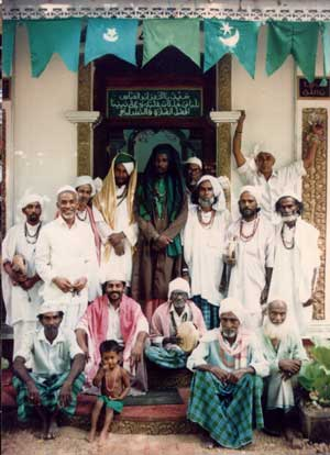 Bawa faqirs at Kataragama's mosque